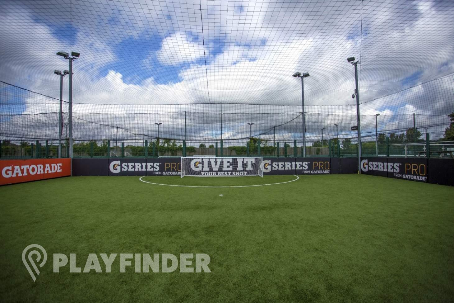 PlayFootball Romford 5 a side | 3G Astroturf football pitch
