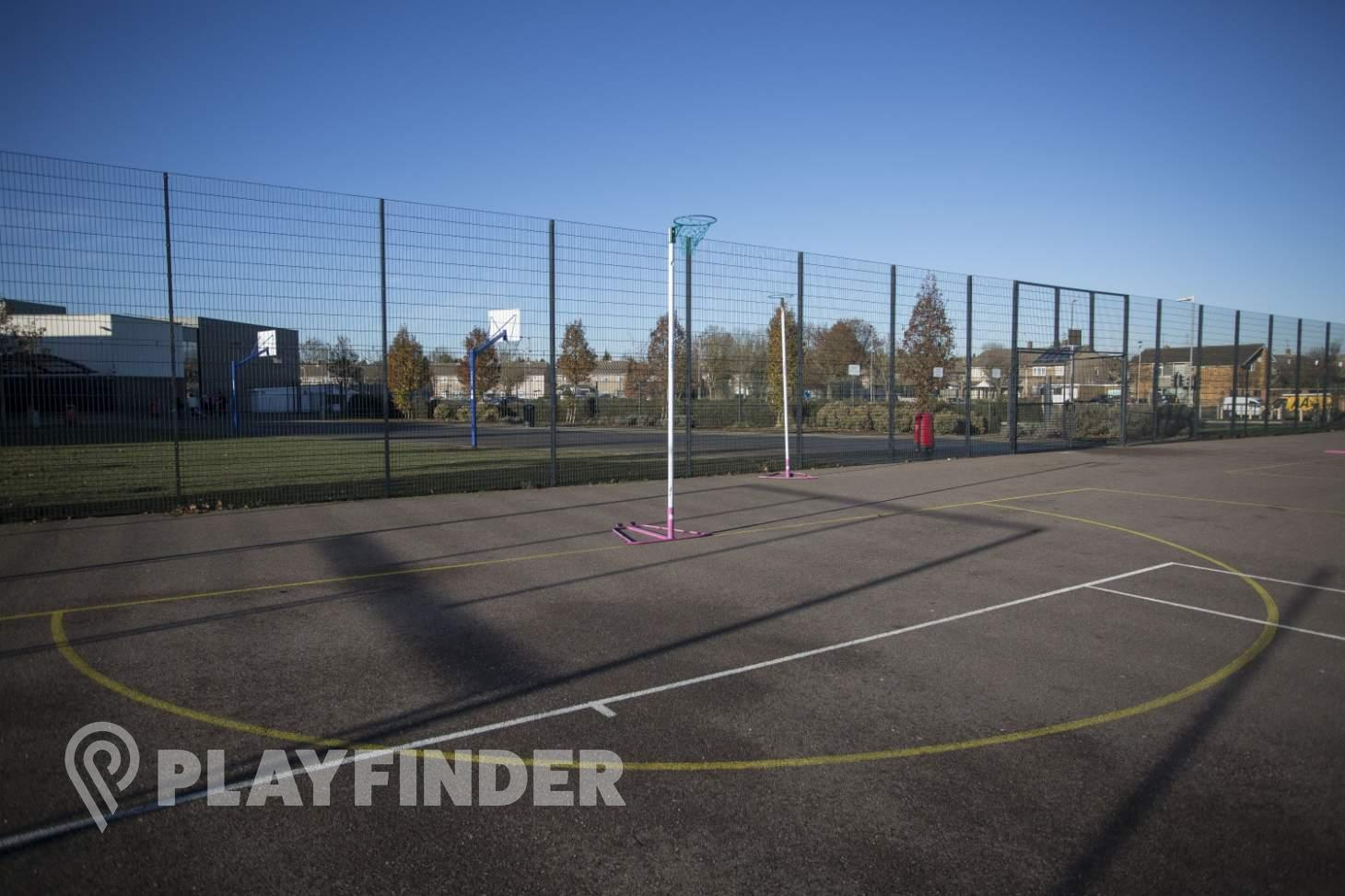 Chalk Hills Academy Outdoor   Hard (macadam) tennis court