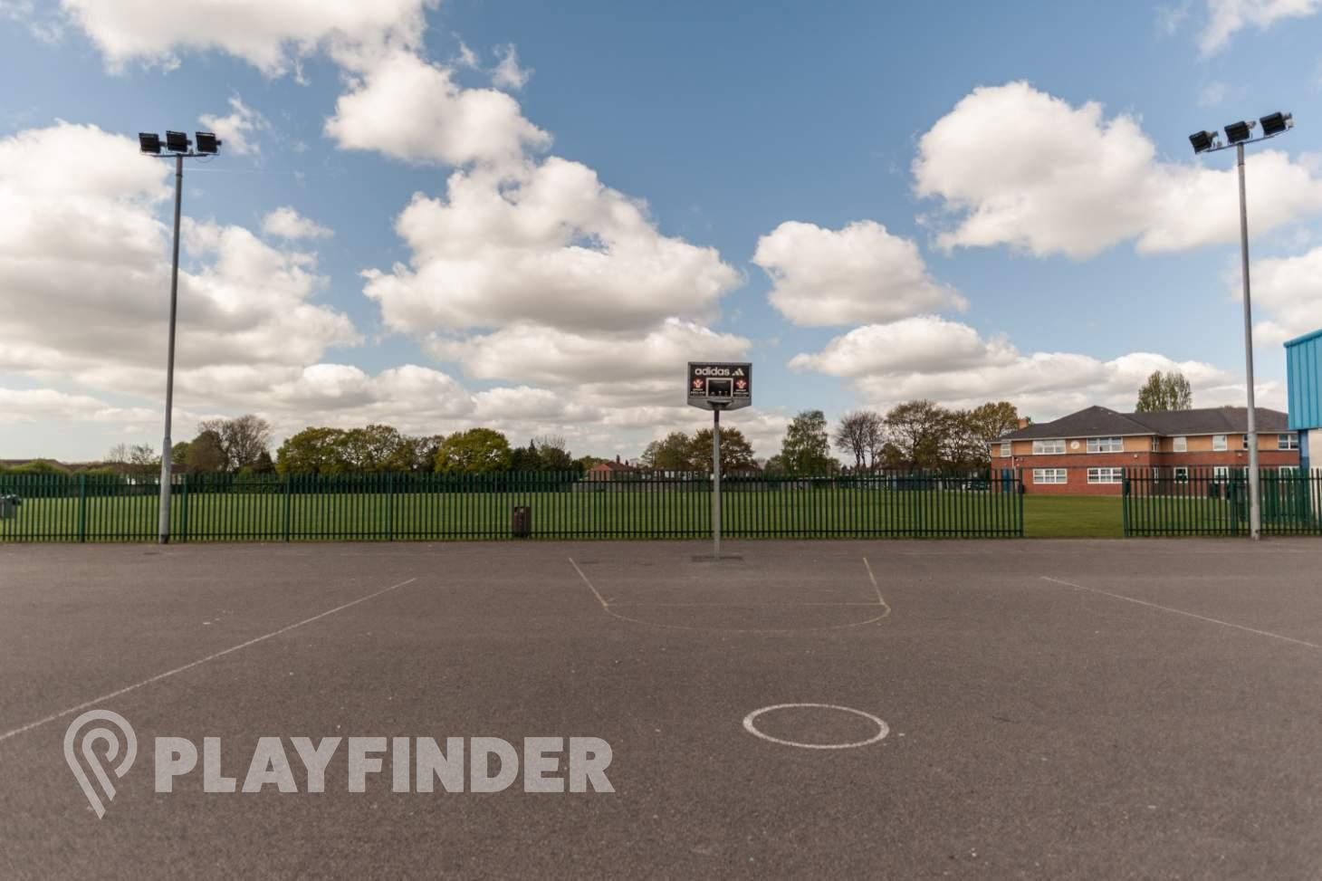 Sale High School Outdoor | Hard (macadam) basketball court