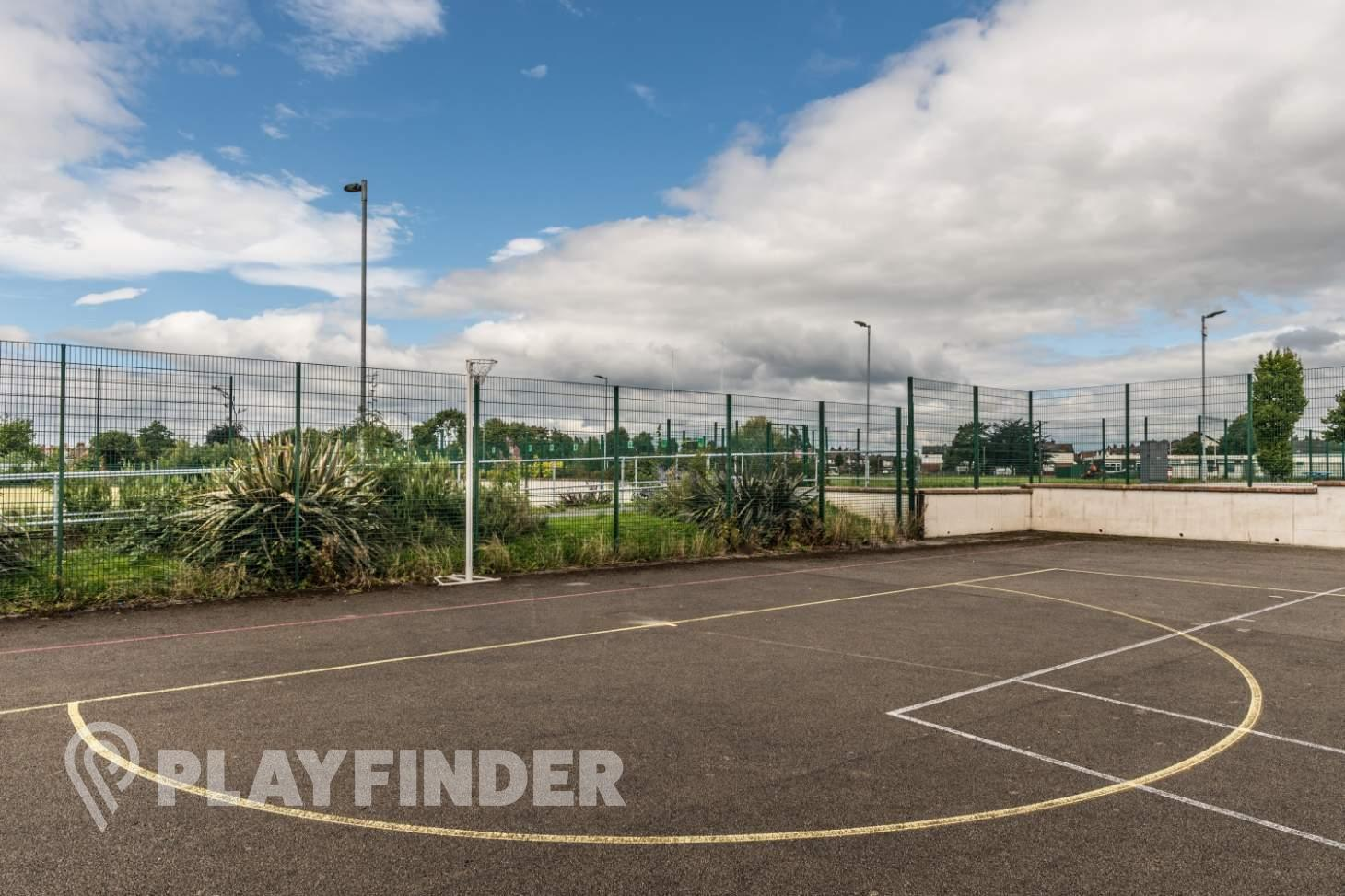 Buile Hill School Outdoor | Concrete netball court