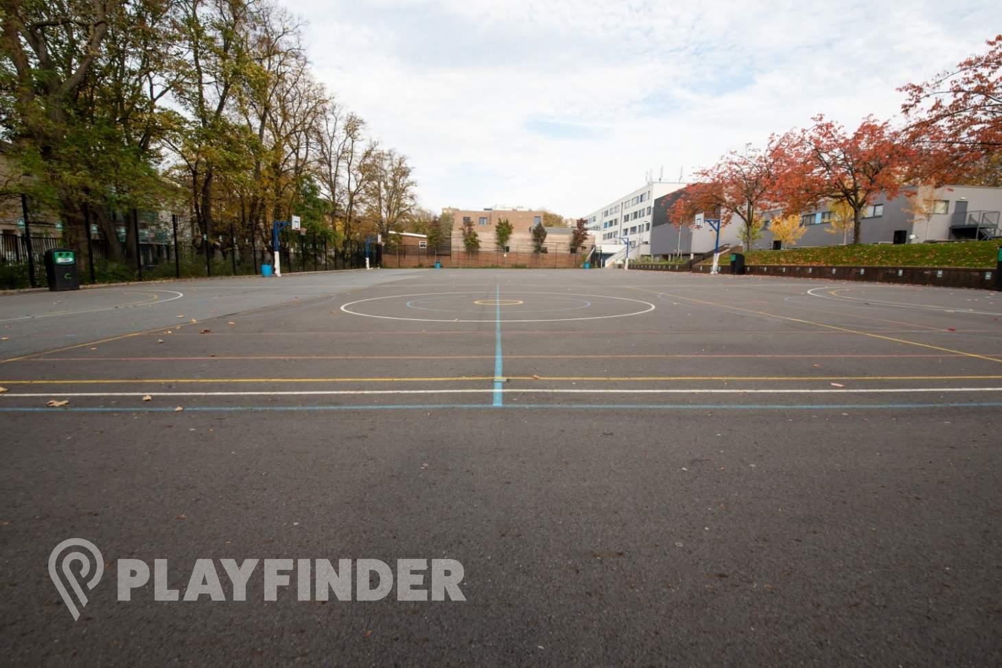 Harris Academy St Johns Wood Court | Concrete basketball court