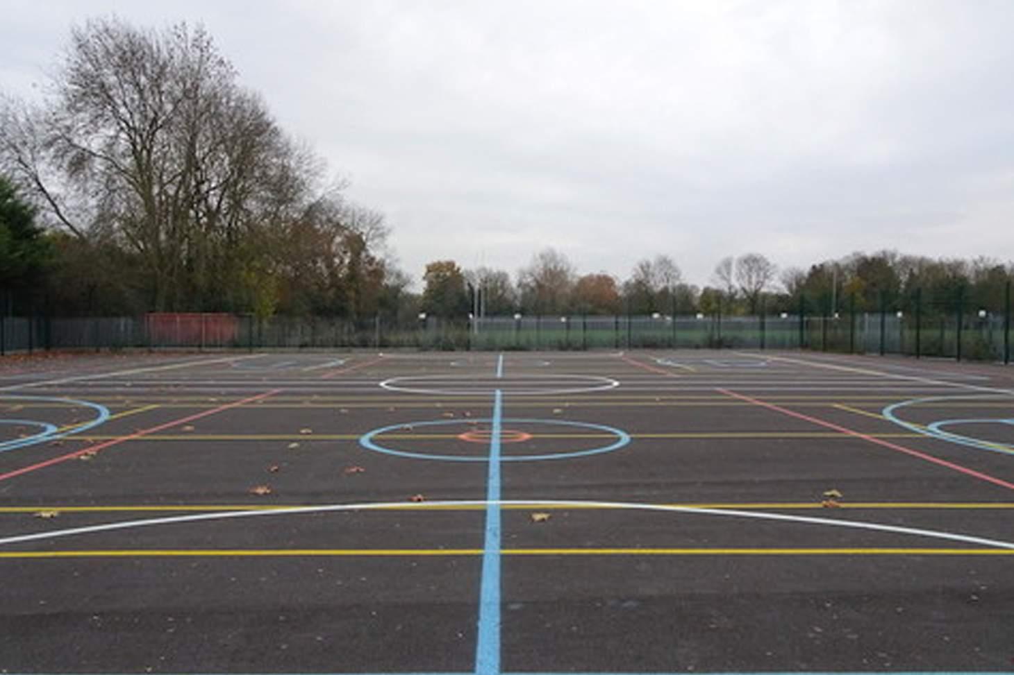 Orchardside School Outdoor | Hard (macadam) netball court