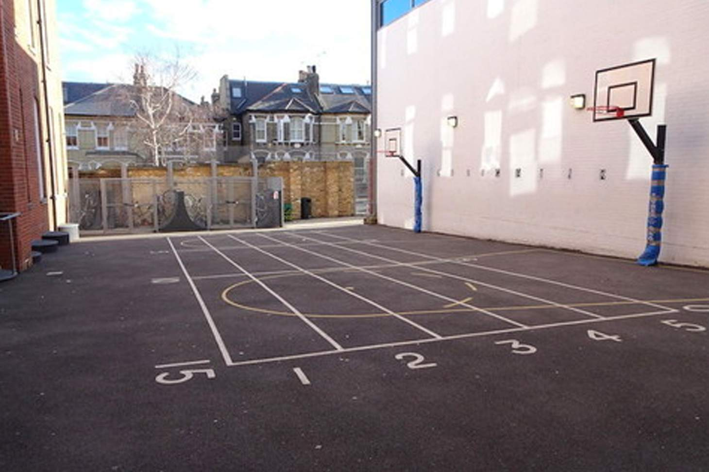 Ark Bolingbroke Academy Half court | Concrete basketball court