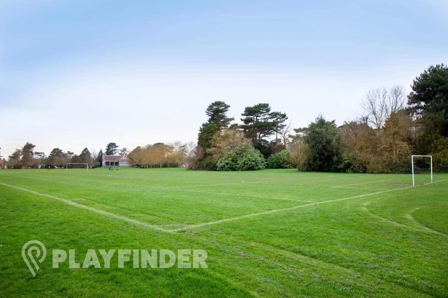 Bedford Park 9 a side | Grass football pitch