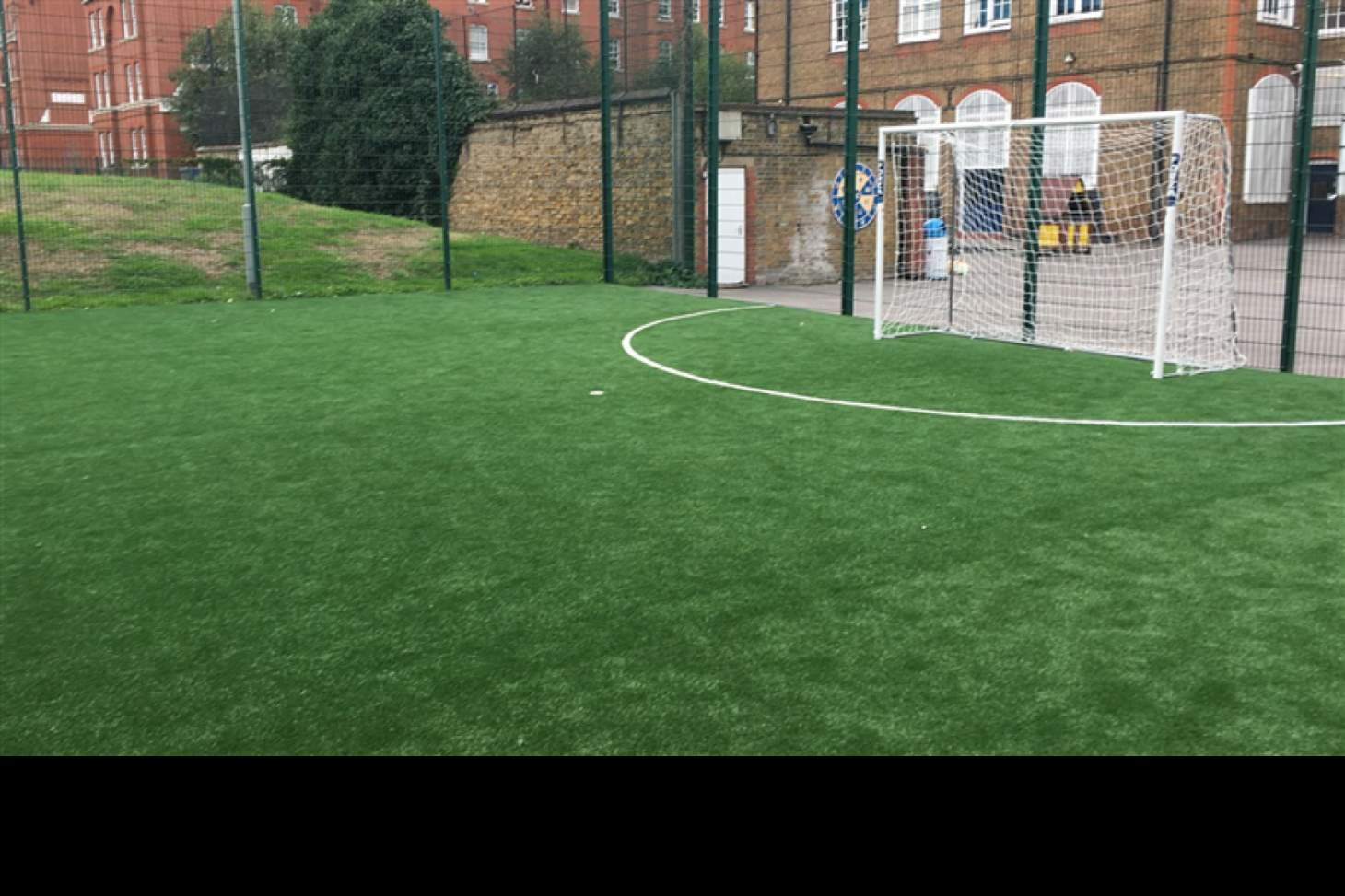London Bridge Snowsfields 5 a side | 3G Astroturf football pitch