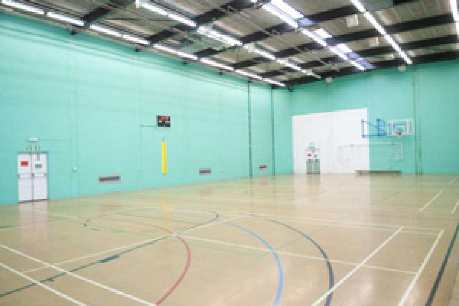 Robert Lowe Sports Centre 5 a side | Indoor football pitch