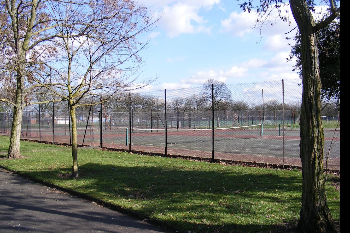 Barking Park Outdoor | Hard (macadam) tennis court