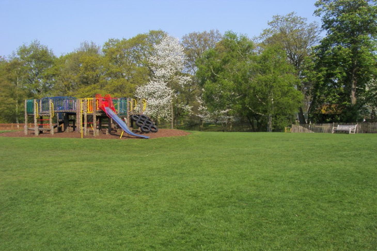 Golders Hill Park Outdoor | Grass tennis court