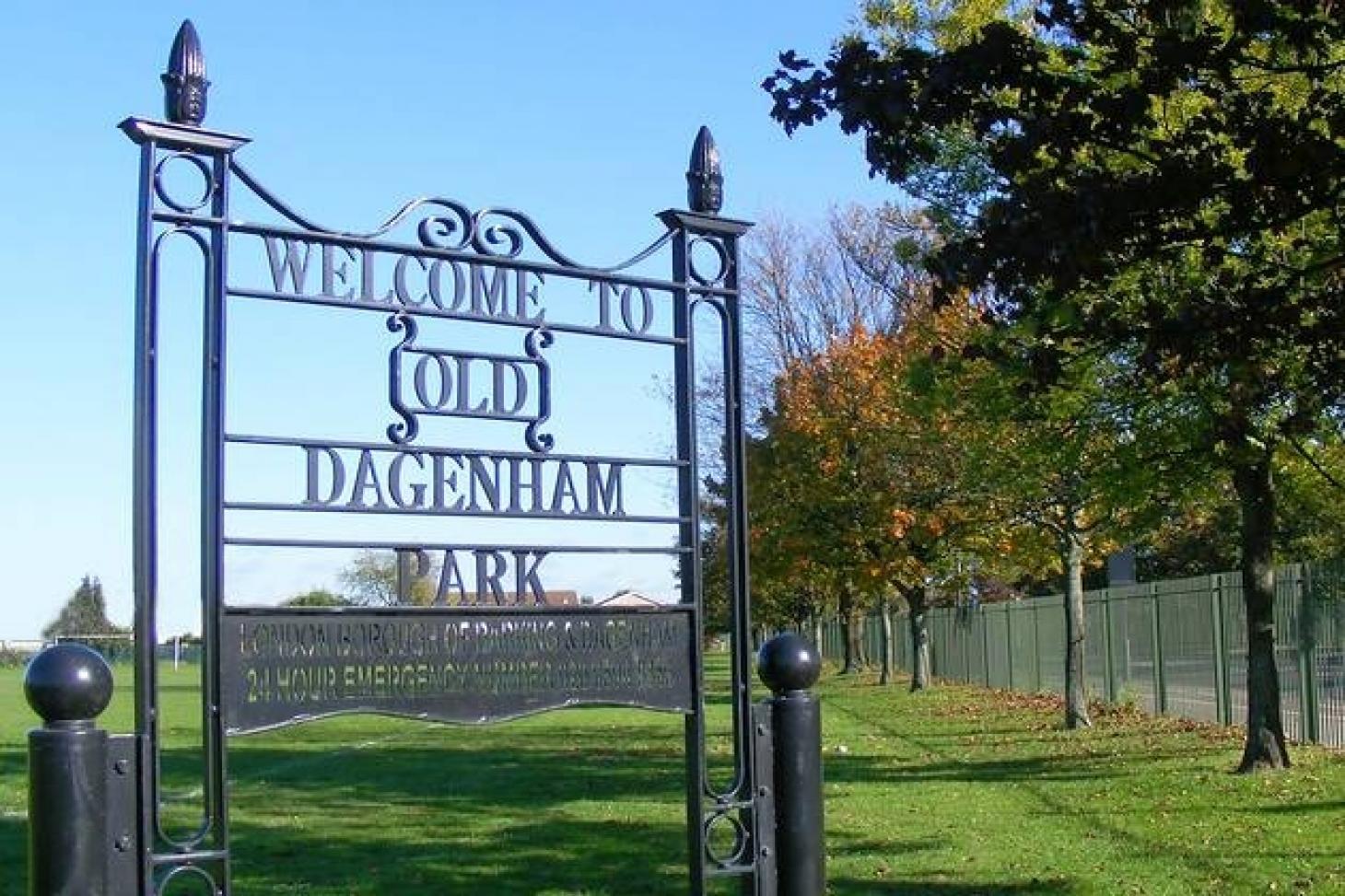 Old Dagenham Park 5 a side | Concrete football pitch