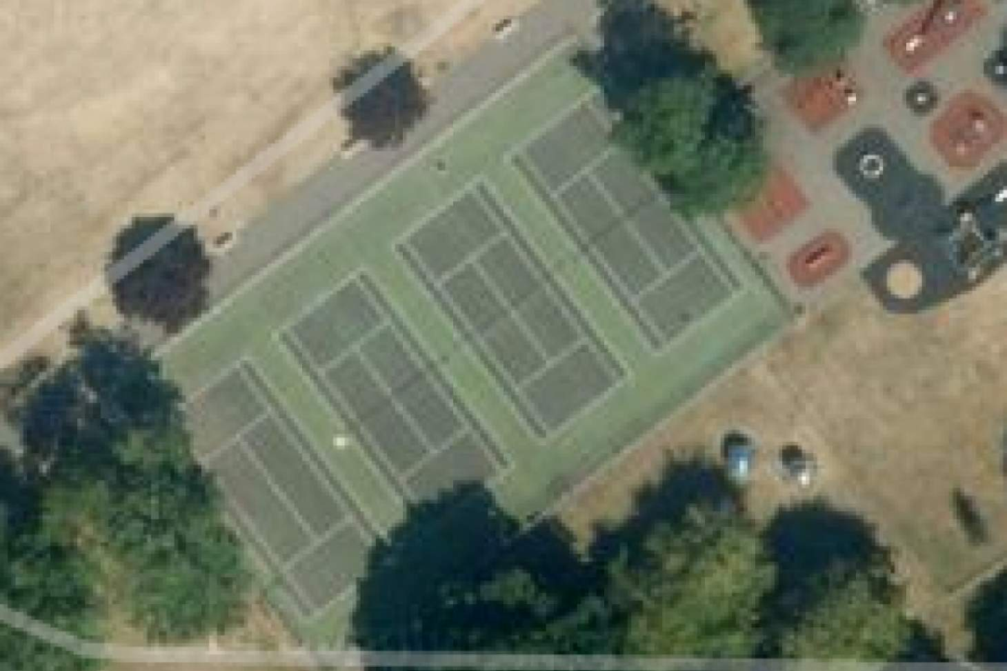 Kneller Gardens Outdoor | Hard (macadam) tennis court