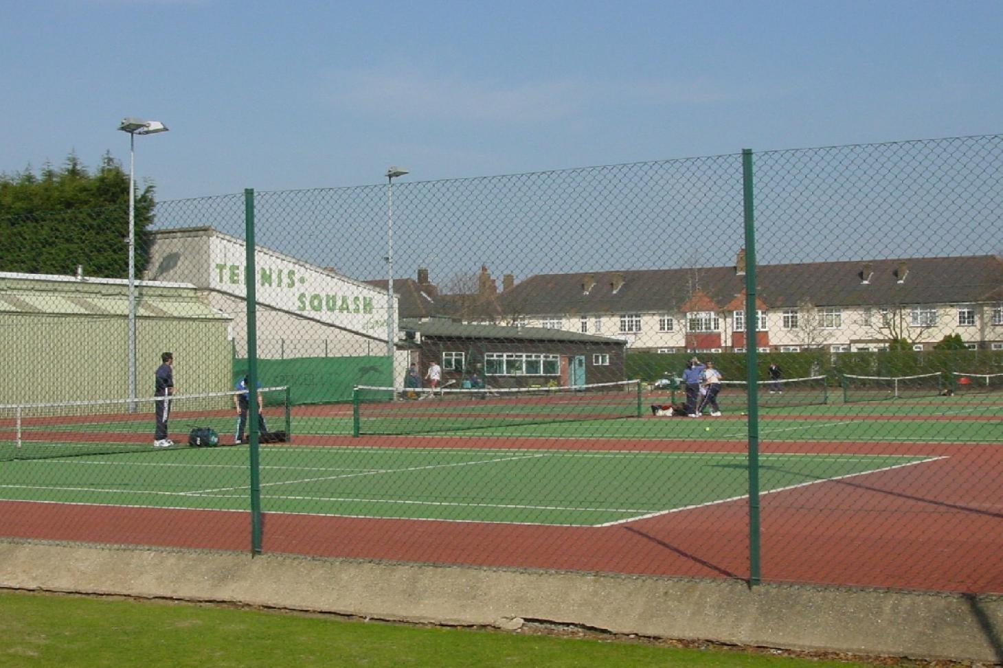 Spencer Club Outdoor | Grass tennis court