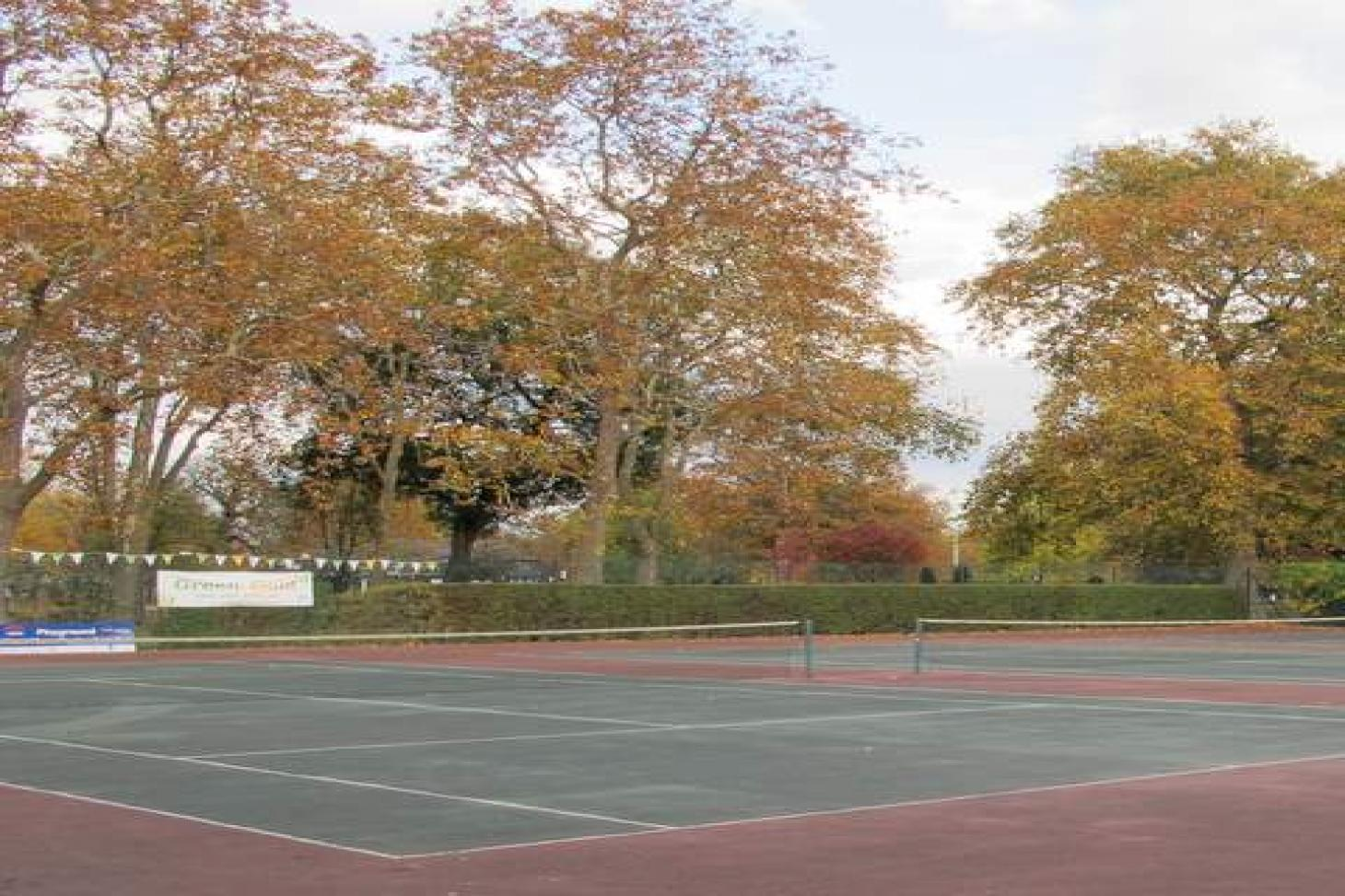 Canning Town Recreation Ground Outdoor | Hard (macadam) tennis court