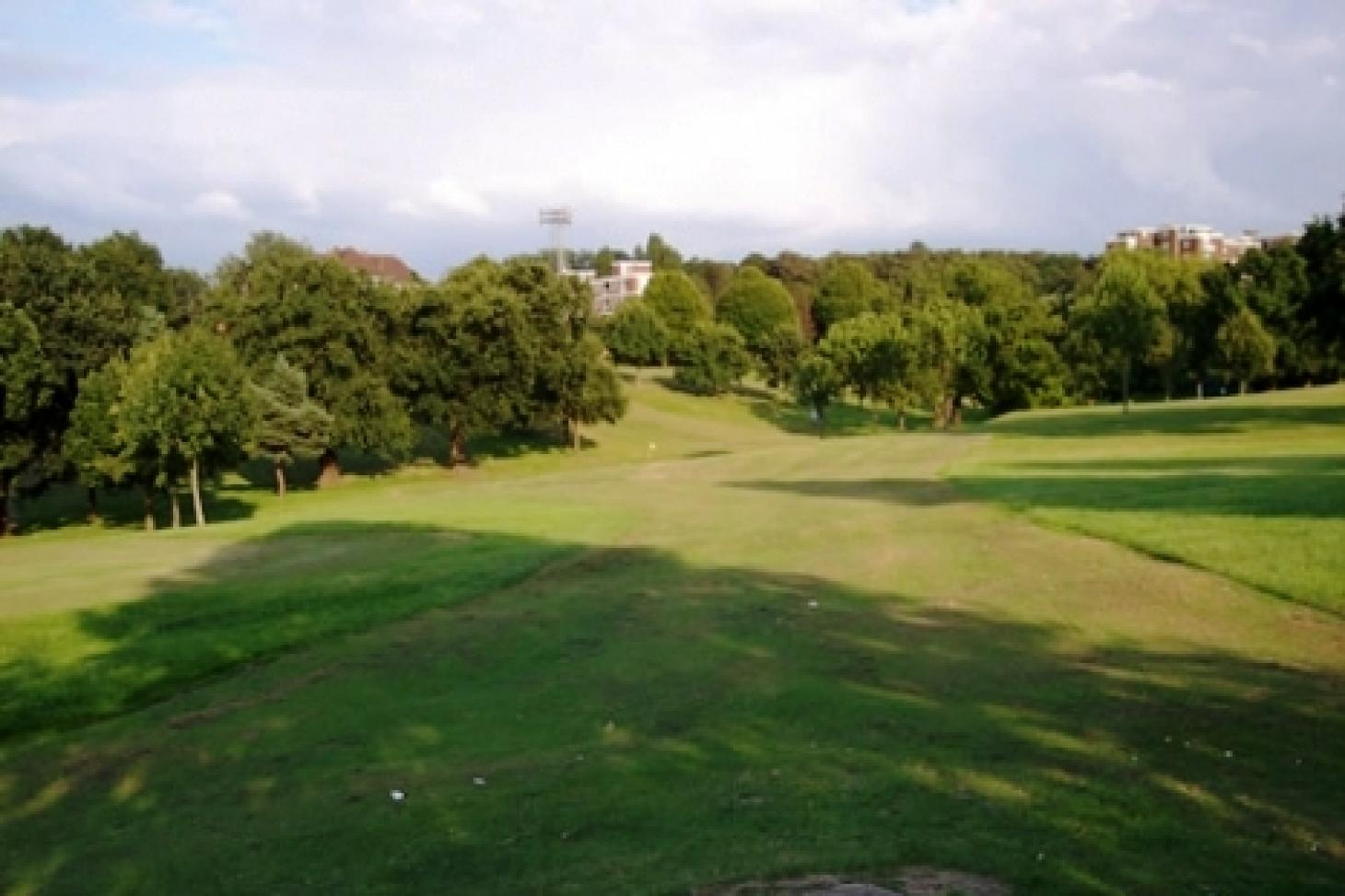Hanger Hill Park Pitch and Putt 9 hole golf course