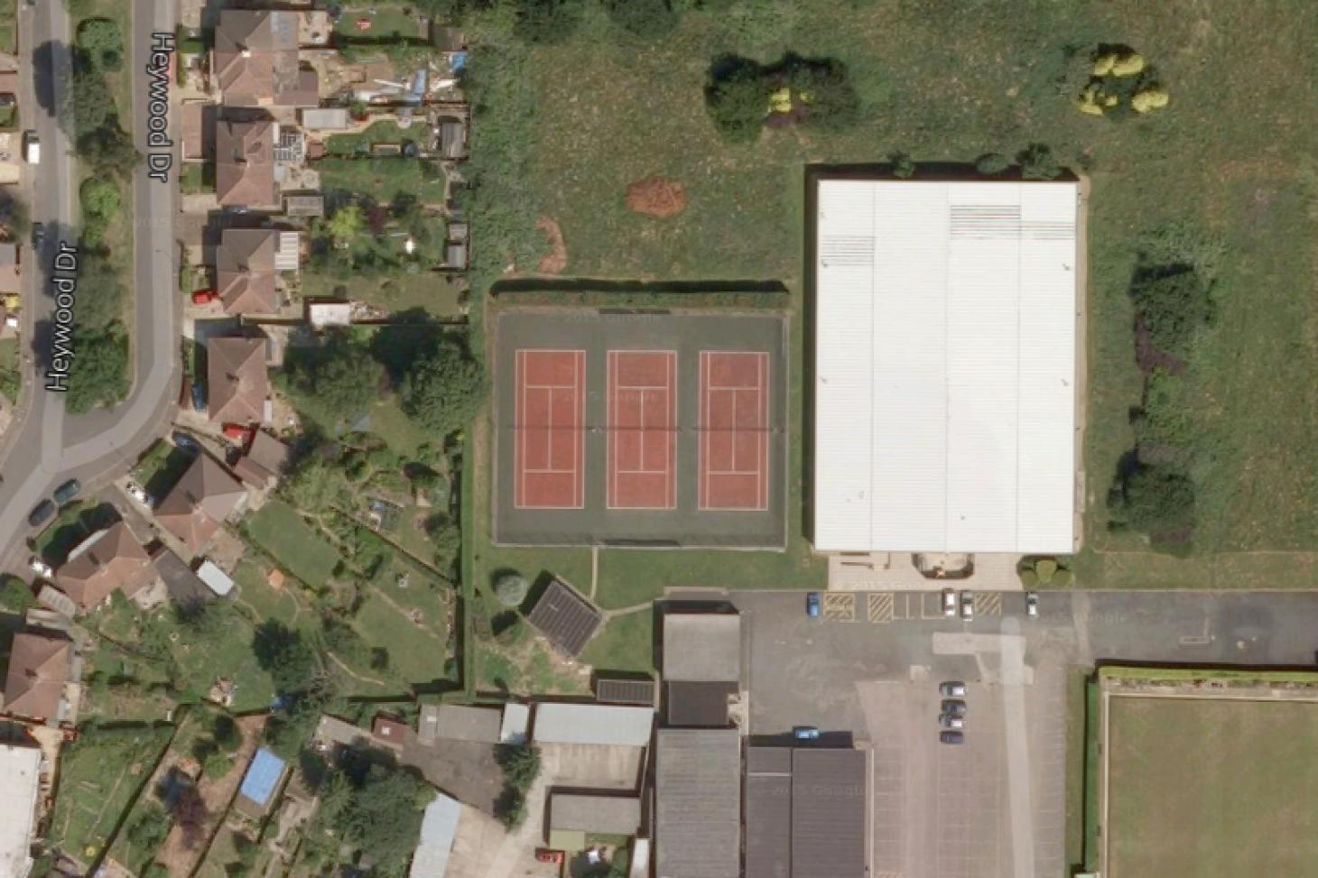 LICS Tennis Club (Luton Co-Op) Outdoor | Hard (macadam) tennis court