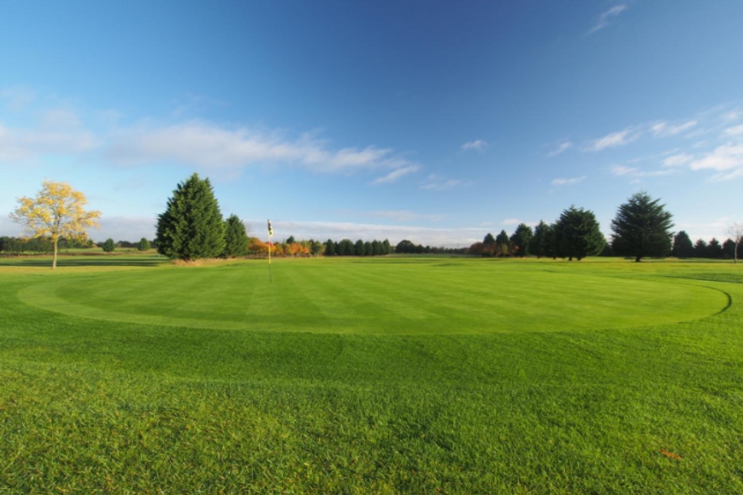 Bird Hills Golf Centre 18 hole | Yes golf course