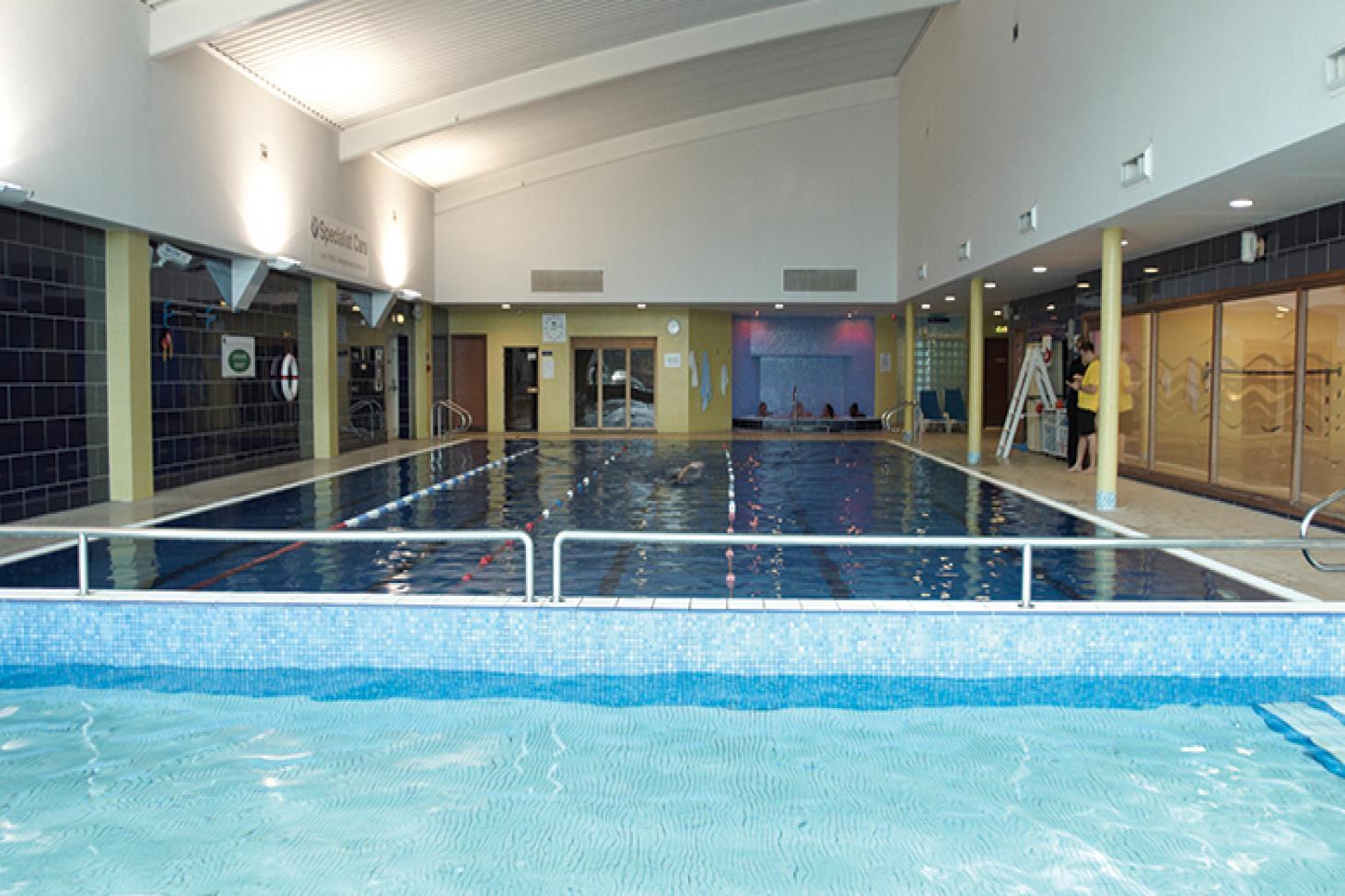 David Lloyd Luton Indoor swimming pool