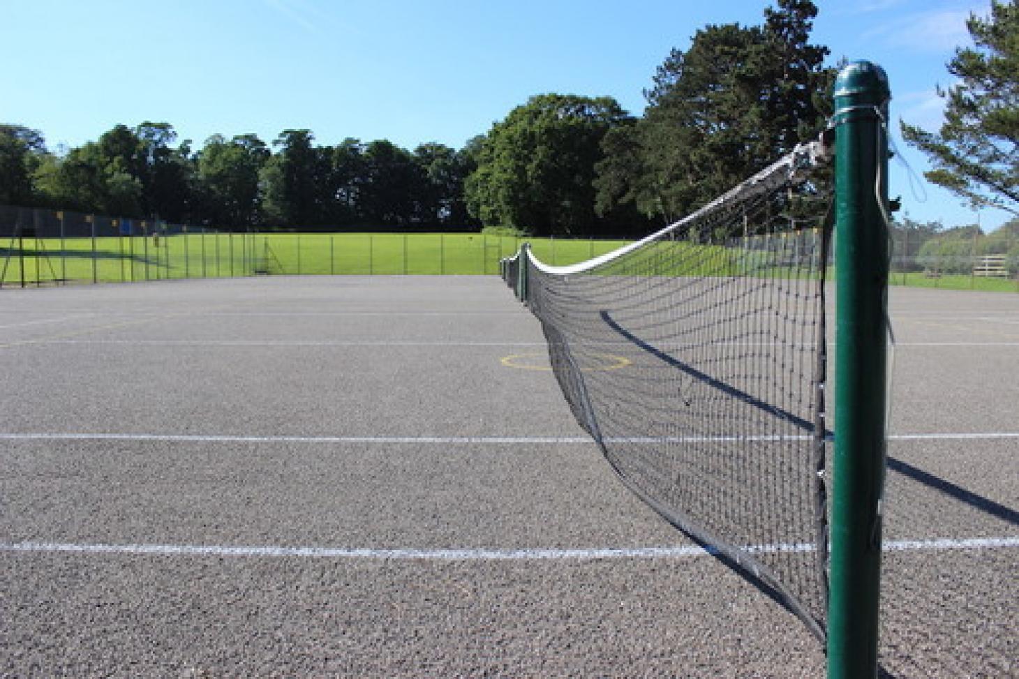 Putteridge High School Outdoor | Concrete tennis court