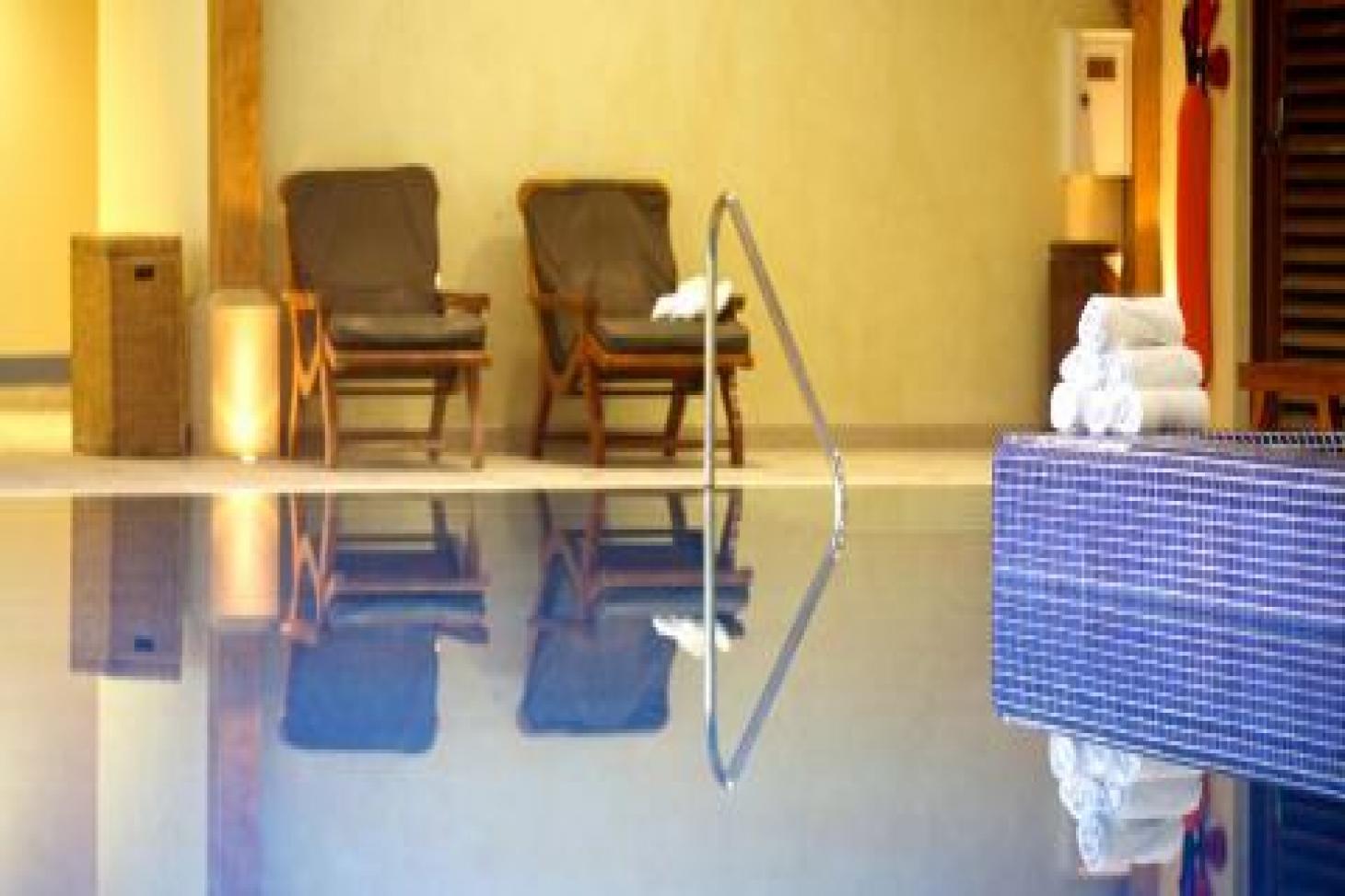 Luton Hoo Hotel Golf and Spa Indoor swimming pool