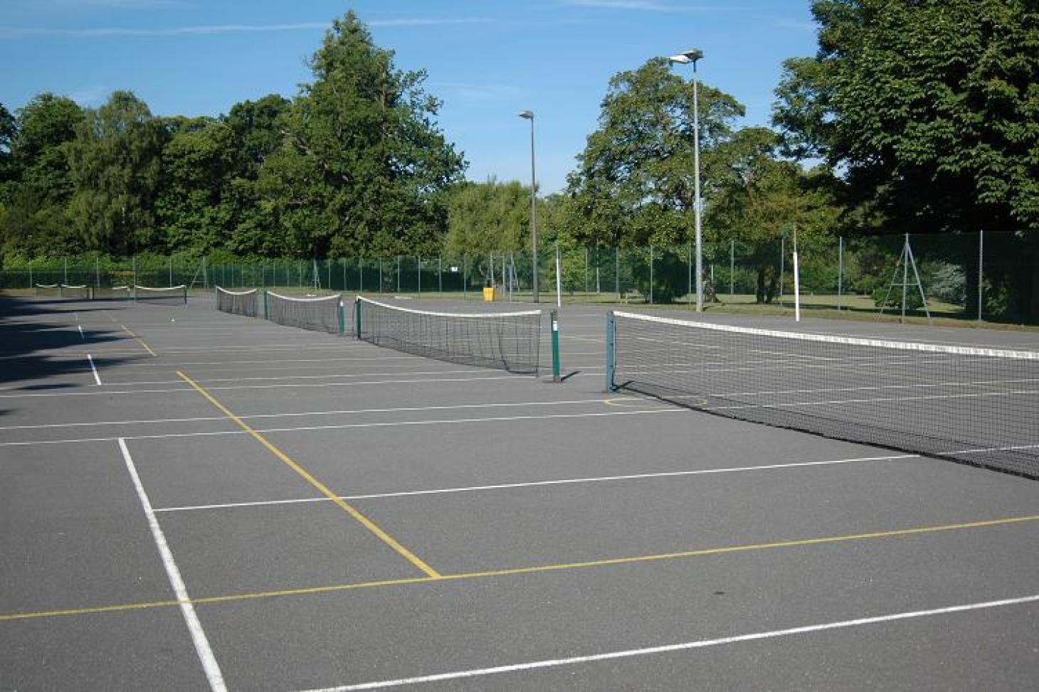 Croydon Sports Club Outdoor   Hard (macadam) tennis court