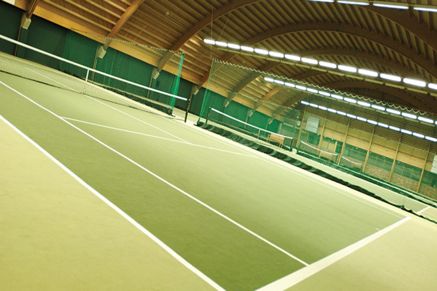 David Lloyd Heston Indoor | Hard badminton court