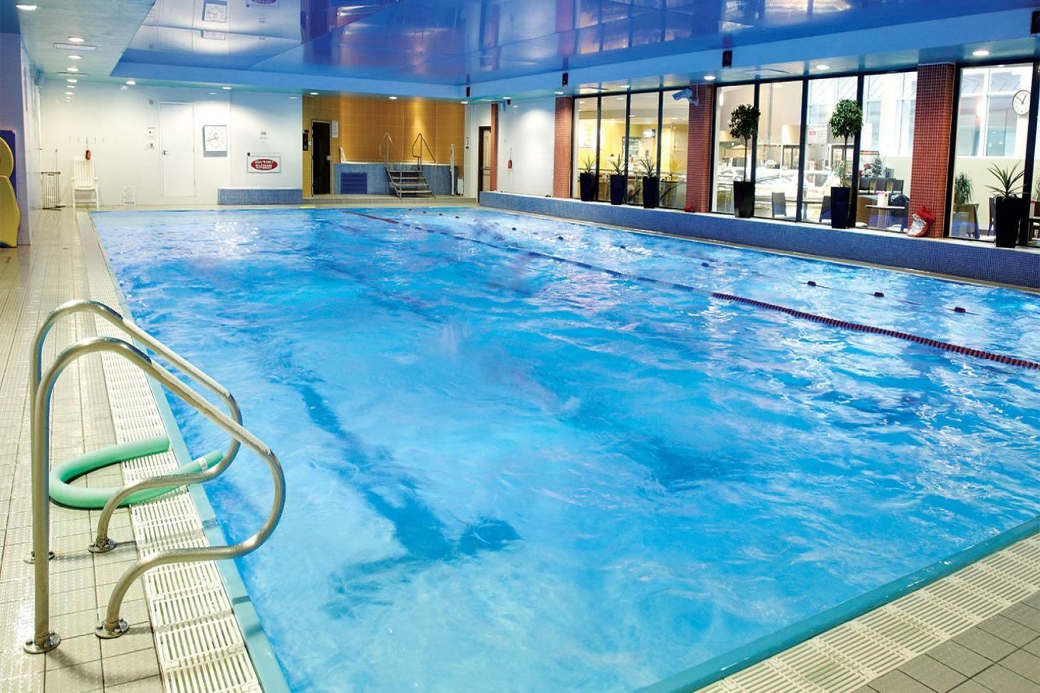 David Lloyd Maidenhead Indoor swimming pool