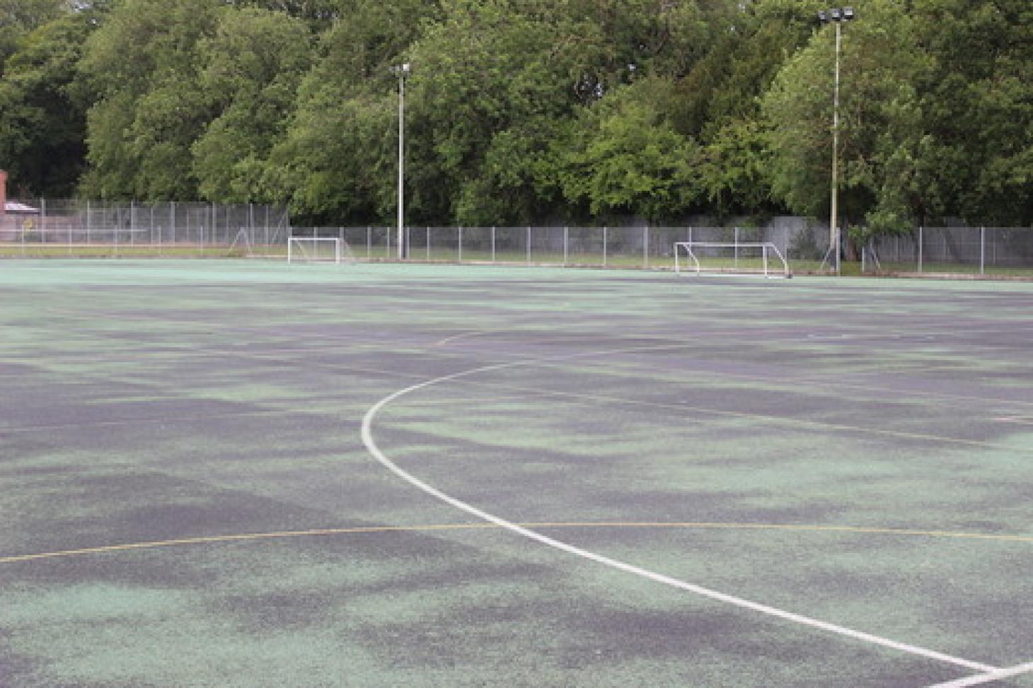 Putteridge High School Outdoor | Hard (macadam) netball court