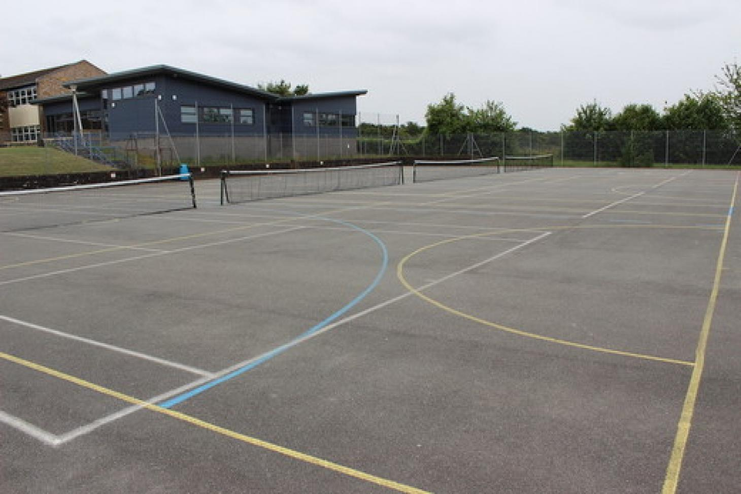 Amersham School Outdoor | Hard (macadam) netball court