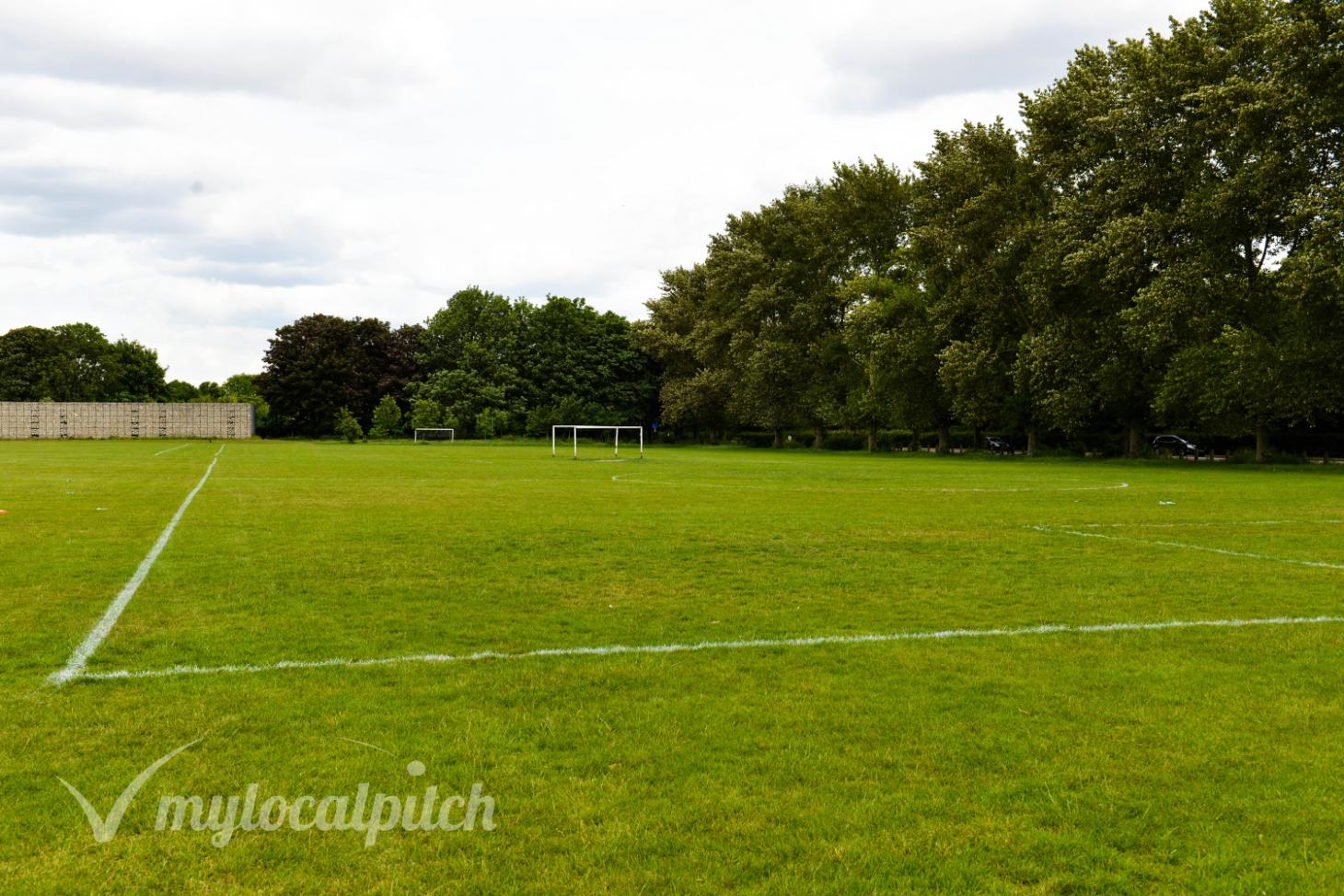 Hackney Marshes 7 a side | Grass football pitch
