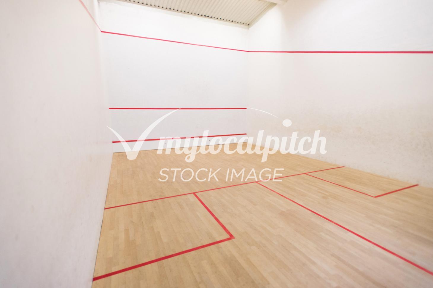 Dolphin Fitness Club Indoor | Hard squash court
