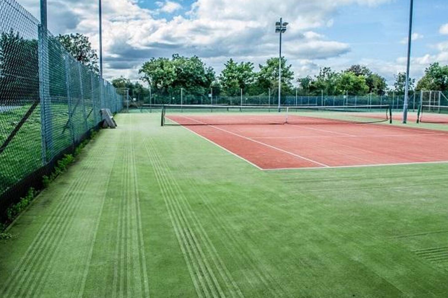 ALSAA Outdoor | Grass tennis court