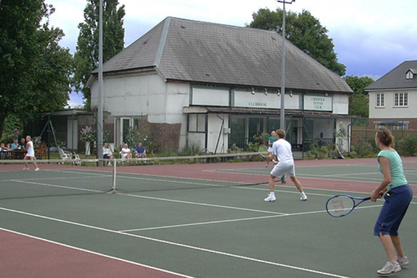 Chiswick Bridge & Tennis Club Outdoor | Astroturf tennis court