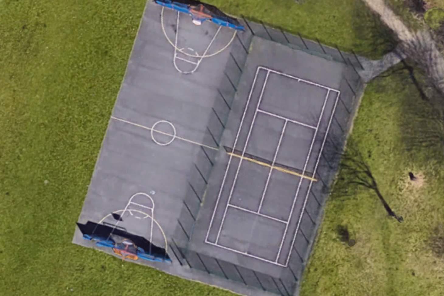 Nuthurst Park Outdoor   Hard (macadam) basketball court