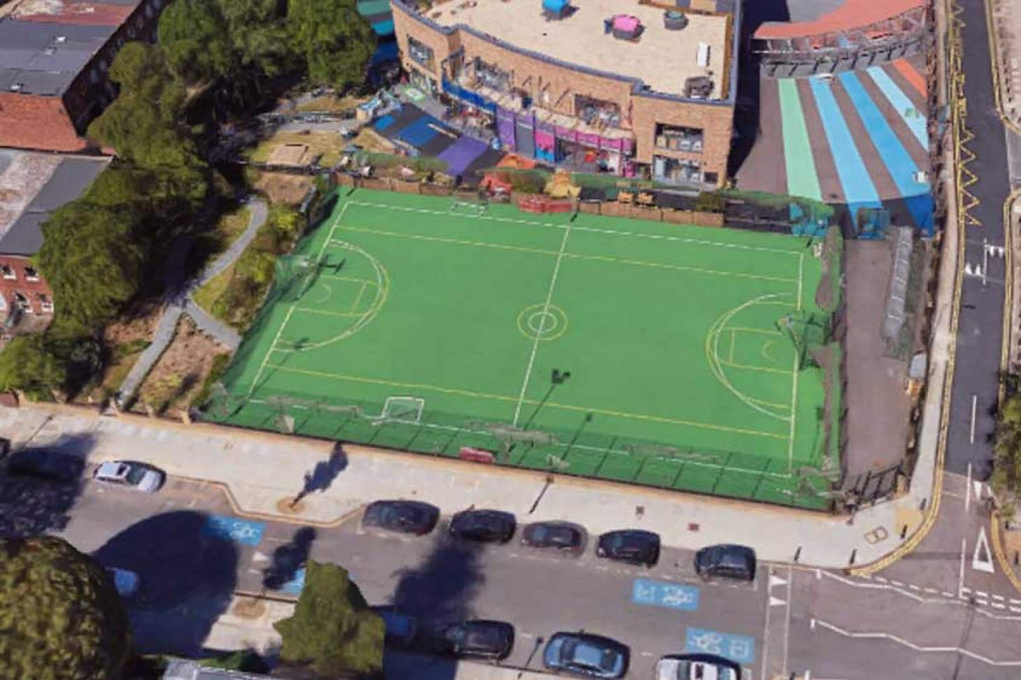 Canary Wharf MUGA 5 a side | Astroturf football pitch