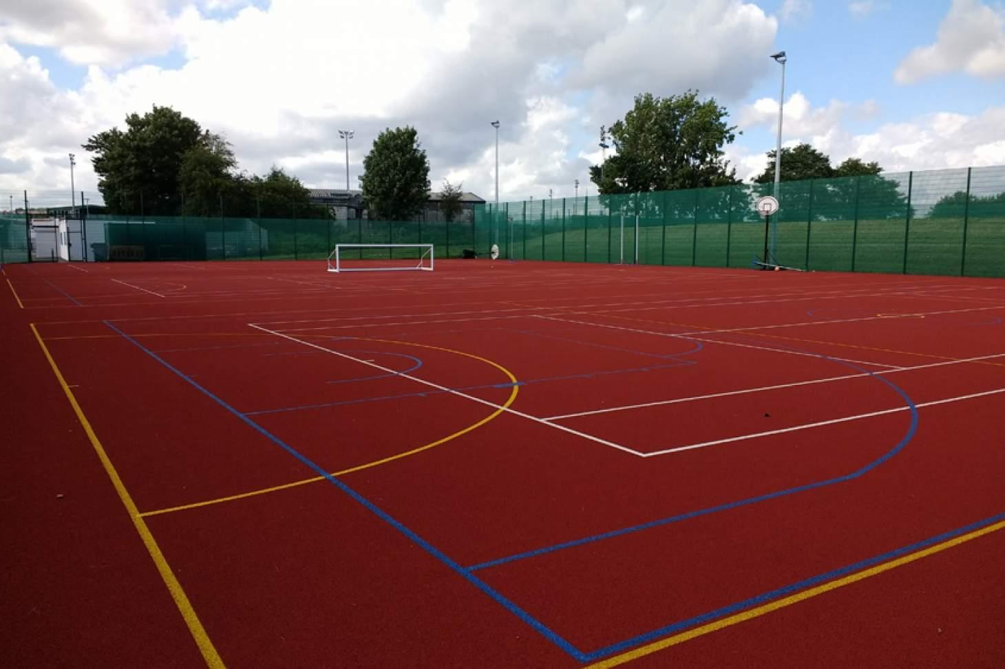 Oasis Academy Arena Outdoor   Hard (macadam) netball court