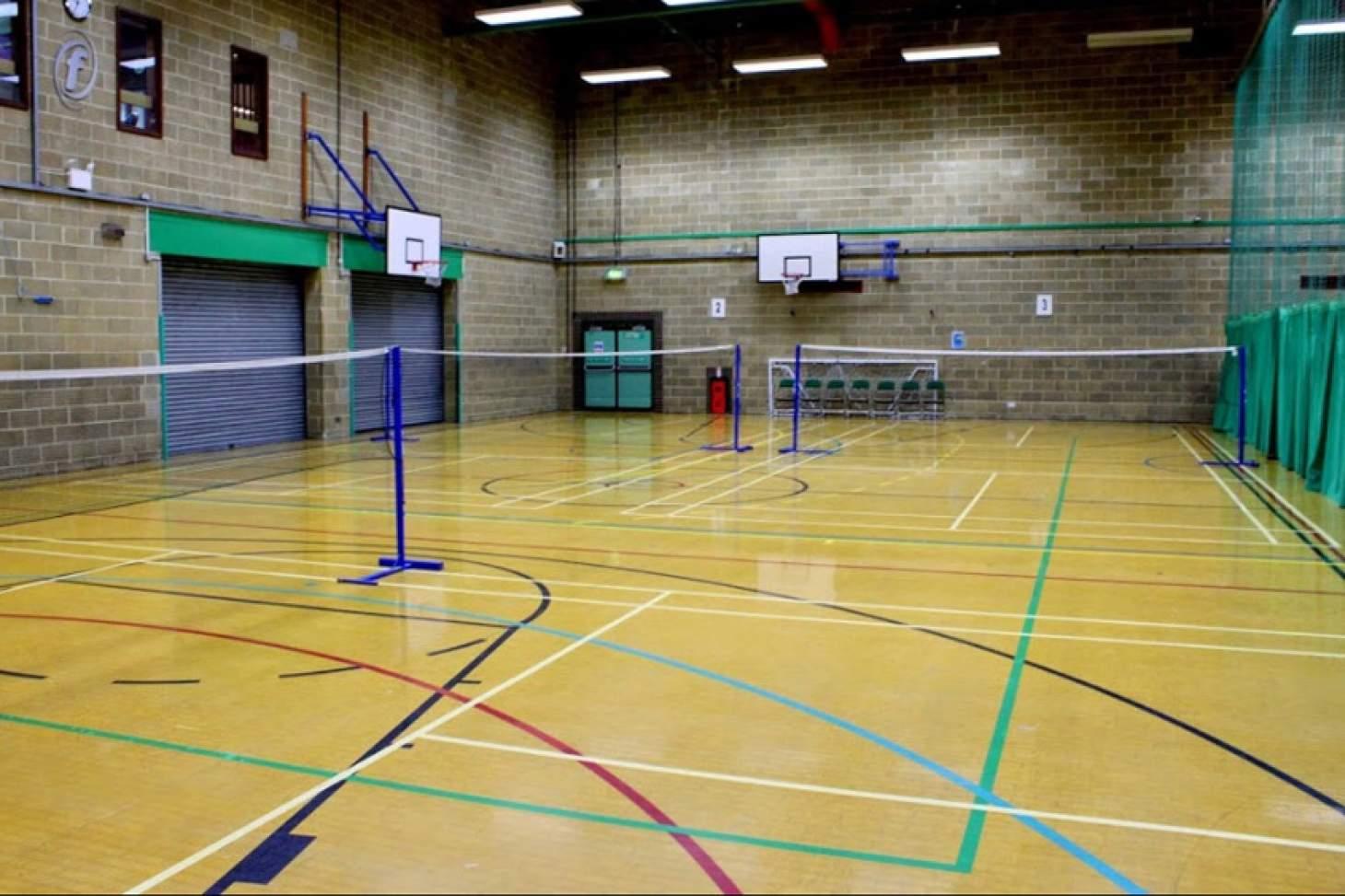 Moulsecoomb Community Leisure Centre Indoor | Hard badminton court